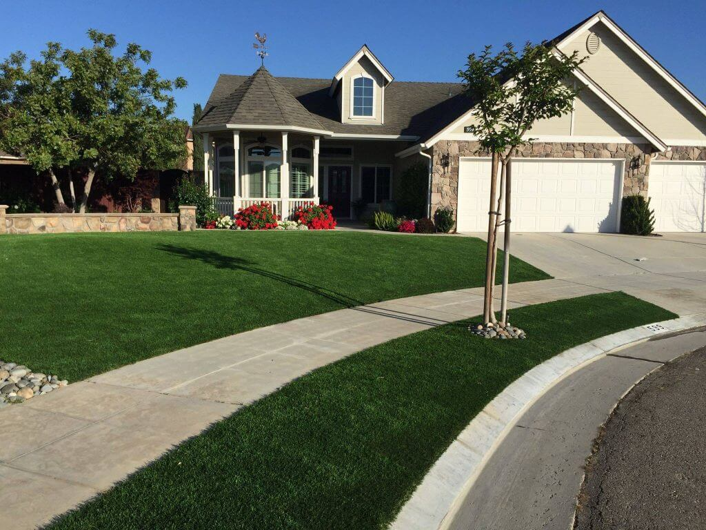 Frontyard artificial grass installation in Virginia